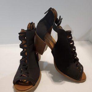 EUC Soda Aran Black Ankle Bootie Sandals